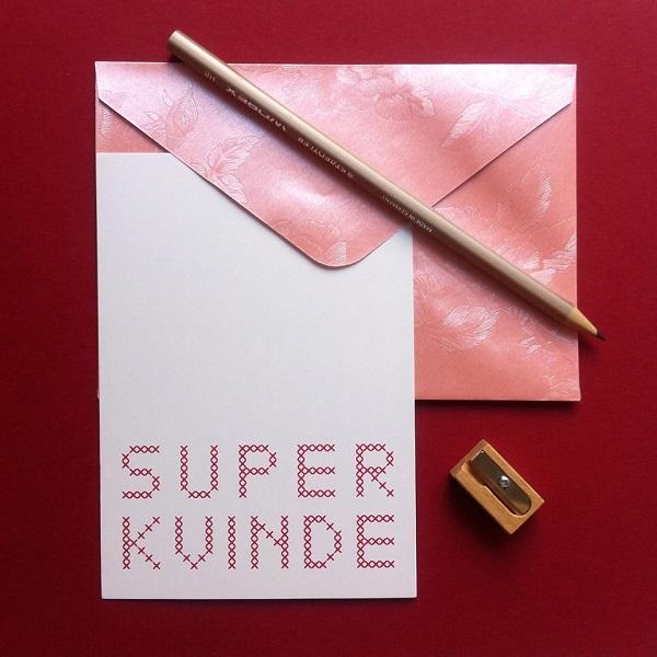 Collections-Super-Woman-Postcard-Kvinde-Pink-Hamide-Design-Studio